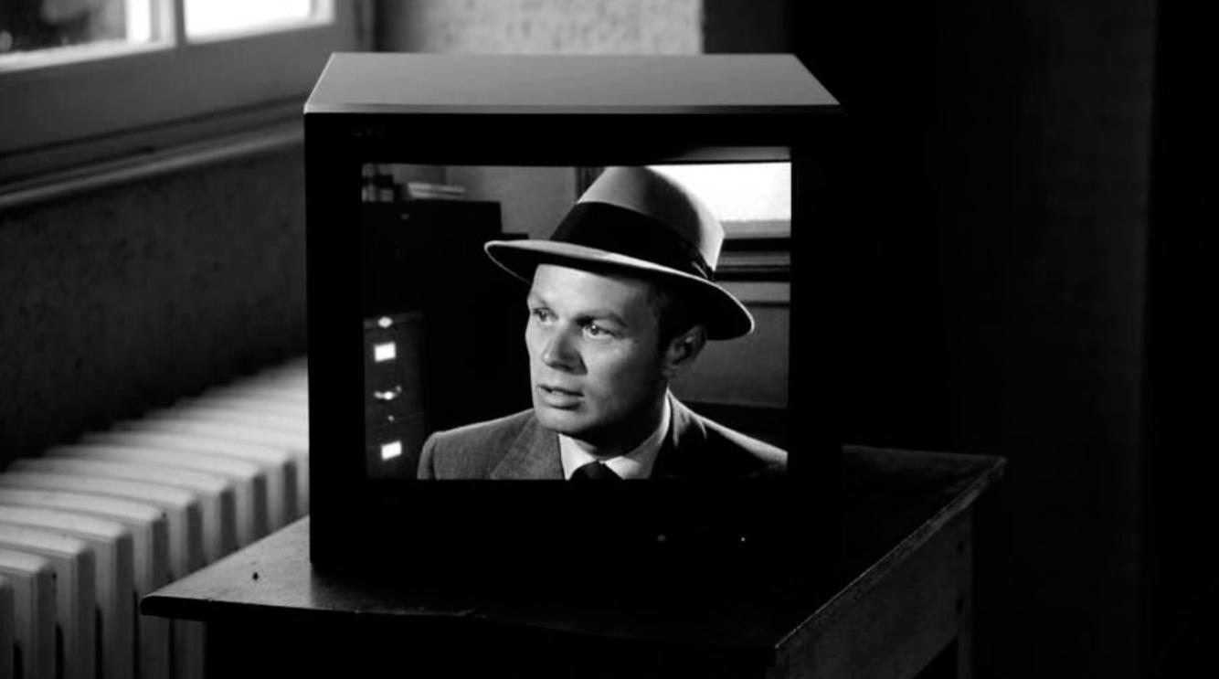 Julien Crépieux, Microfilm 2012, video noir et blanc, son 87' Courtesy galerie Jérôme Poggi, Paris @ Julien Crépieux