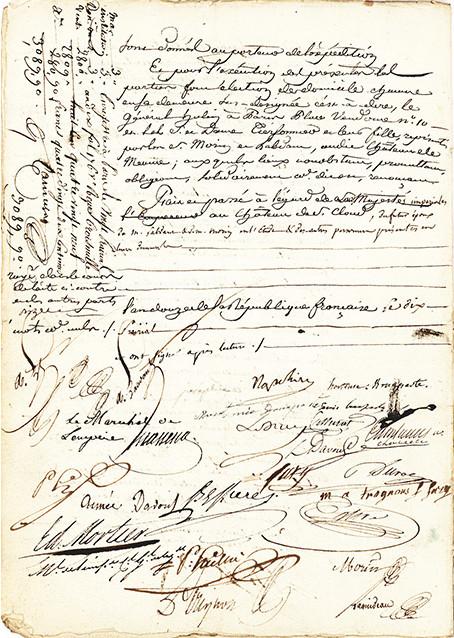 Le contrat de mariage signé par Napoléon et Joséphine. Courtesy Lion Heart Autographs.
